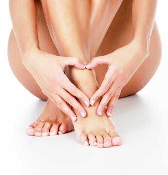 膝の黒ずみの原因は膝をつくことです
