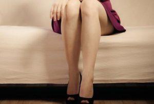 日常生活に潜む膝への刺激が黒ずみの原因
